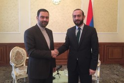 Larijani invites new Armenian parl. speaker for official visit