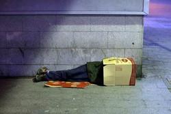 اجرای طرح فوریتی جمع آوری کارتن خوابها در منطقه۲