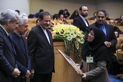 برگزیدگان داخلی و خارجی جشنواره فارابی تقدیر شدند