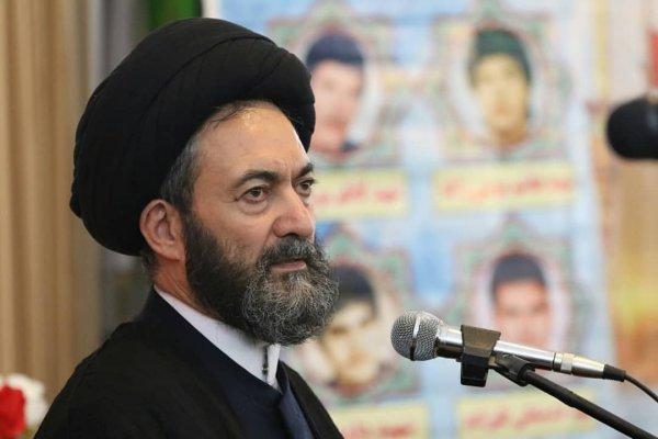 انقلاب اسلامی غرور ملی خدشهدار شده را بازگرداند
