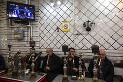 تماشای دیدار تیم های فوتبال ایران و ژاپن در سطح شهر تبریز
