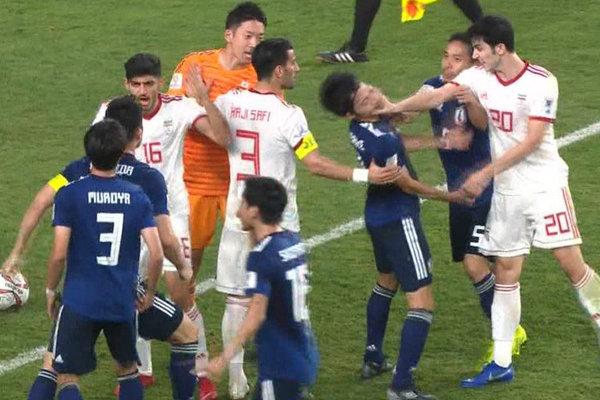 جنجال و درگیری در دیدار ایران و ژاپن/ سیلی سردار به صورت حریف!