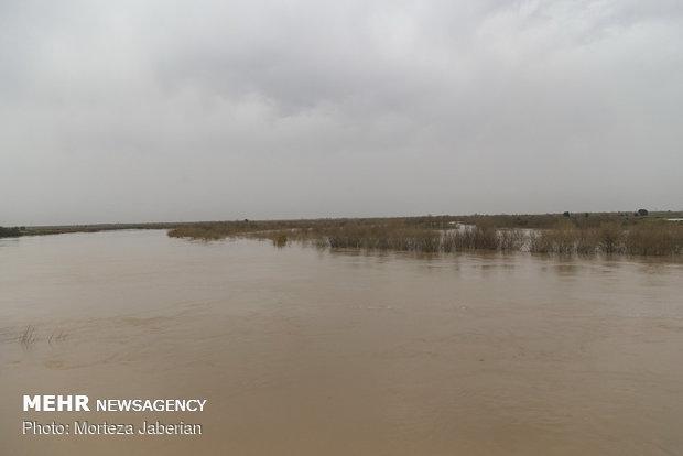 سیلاب ۴ محور در جنوب سیستان و بلوچستان را مسدود کرد