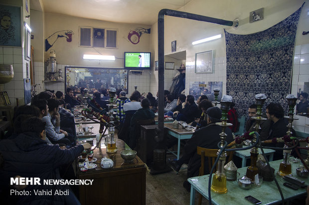 Tabriz citizens watching Iran's semifinal match vs. Japan