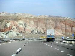 ترافیک روان در اکثر جادههای کشور/ترافیک نیمه سنگین در آزادراه قزوین به کرج