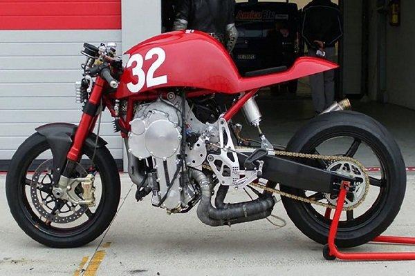 کشف موتور سیکلت سرقتی در خیابان مولوی