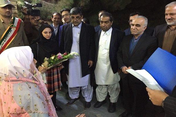 وزیر امور اقتصادی و دارایی به سیستان و بلوچستان سفر کرد