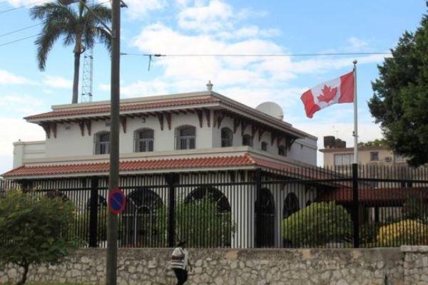 کانادا دیپلماتهای خود در کوبا را به نصف کاهش میدهد
