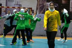 درخشش بانوان ورزشکار چهارمحالی در رقابت های هندبال کشور