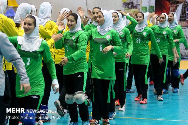 دیدار تیم های هندبال بانوان فولاد مبارکه سپاهان و ذوب آهن اصفهان