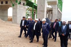 بازدید وزیر کار از سایت انتقال کارخانه سیمان شیراز به خرامه