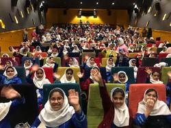 بخش «سیمرغ و پروانه» به استقبال دانش آموزان رفت/۱۲۵۰کودک تماشاگر