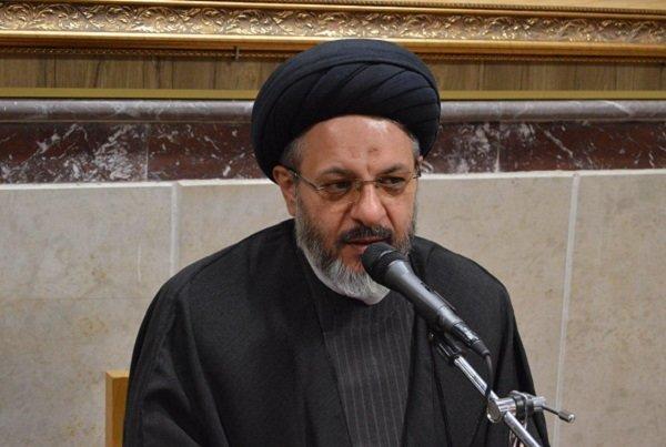 بالاترین رسالت در تبیین دستاورد های انقلاب متعلق به روحانیون است