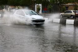 بارش های فارس تا صبح دوشنبه ادامه دارد