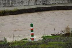 لایروبی و پاکسازی کانال ها و مسیل های شهر ارومیه تداوم دارد