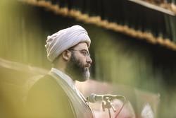 جوانان ایران پای انقلاب ایستاده اند/انقلاب در حال جهش بزرگی است