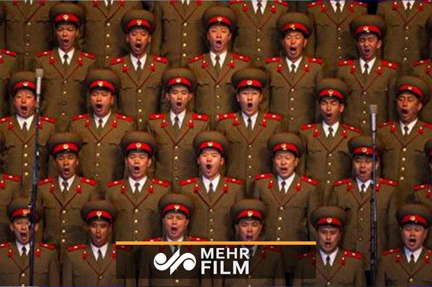 Kuzey Kore ordusu İran marşını seslendirdi