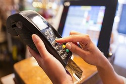 اعطای کارت اعتباری یک و دو میلیون تومانی به اقشار آسیبپذیر/ کسر اقساط از یارانه نقدی و کمک معیشتی