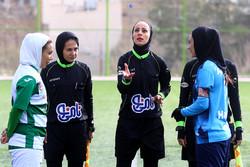 """لقاء فريقي """"ذوب آهن"""" و""""همياري """" ضمن بطولة كرة القدم للسيدات بإيران/ صور"""