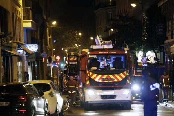 VIDEO: Fatal apartment fire in wealthy Paris region