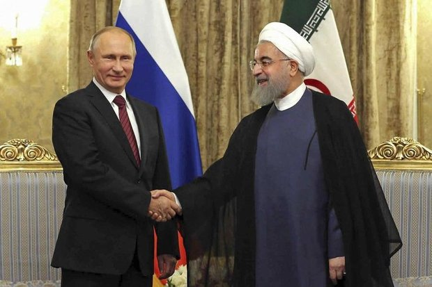 Rouhani felicitates Putin on Russia Day