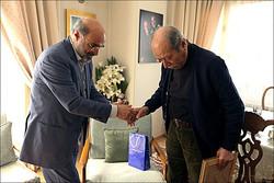 رییس صداوسیما به منزل علی نصیریان رفت/ درخواستی درباره تله تئاتر