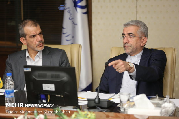 Iranian energy min. meets with Iraqi electricity min.