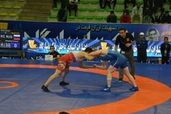 مسابقات کشتی جام جهان پهلوان تختی در کرمانشاه آغاز شد