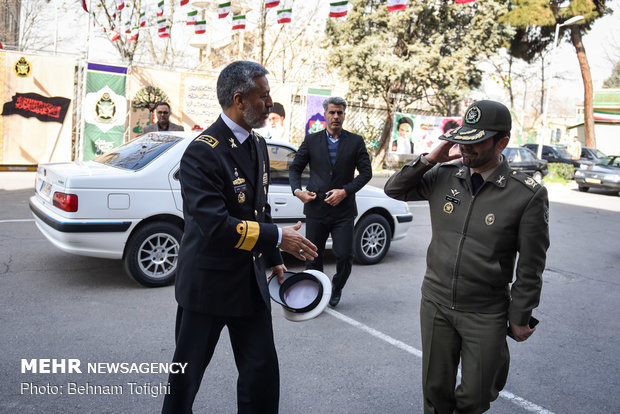 مراسم إزاحة الستار عن مجموعة كتب حول المنظومة الفكرية الدفاعية في إيران