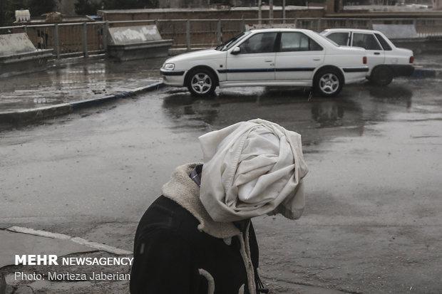 افزایش شدت بارشها همراه با کاهش دمای غرب کشور