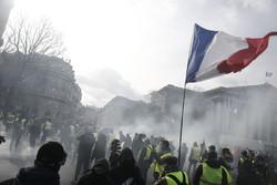 فرانس میں پیلی جیکٹ مظاہرین کا تیرہویں ہفتے بھی احتجاج جاری