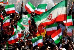 تأکید مراجع بر حضور گسترده در راهپیمایی ۲۲ بهمن/ پاسخ به تحریمها