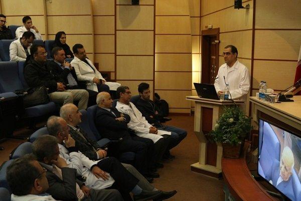 وزیر سابق بهداشت در بیمارستان فارابی حضور یافت,