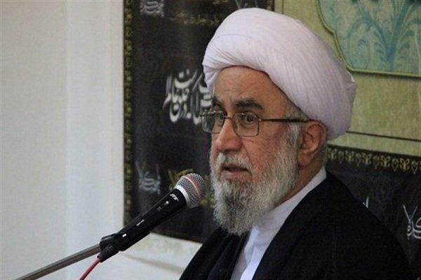 دنیا تشنه اسلام ناب محمدی (ص) است/جهل زدایی مهمترین وظیفه عالمان