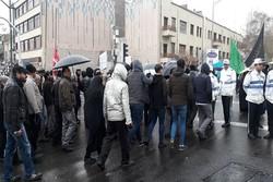 خیل جمعیت راهپیمایان تهران در زیر بارش نعمت الهی