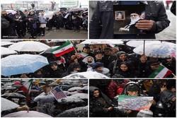 دارالمؤمنین همدان حماسهساز شد/ برگزاری جشن انقلاب زیر بارش برف