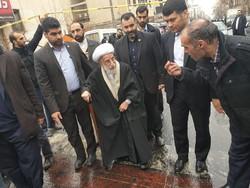 مسؤولون إيرانيون جنباً إلى جنب مع الشعب الإيراني في احتفالاته