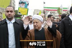 تصاویری از آخرین حضور آیت الله هاشمی در راهپیمایی ۲۲ بهمن