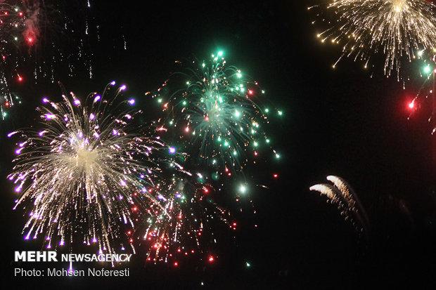 مراسم جشن پیروزی انقلاب و نورافشانی در امامزادگان شهدای باقریه
