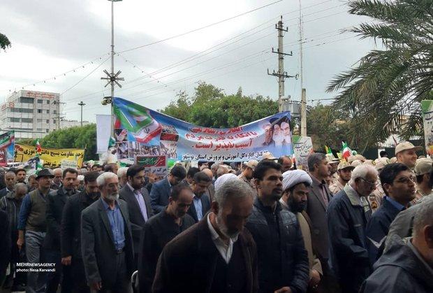 راهپیمایی باشکوه مردم بوشهر/ بارندگی مانع حضور حماسی مردم نشد