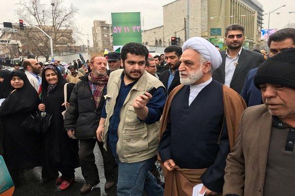 حجت الاسلام محسنی اژه ای در راهپیمایی ۲۲ بهمن حضور یافت