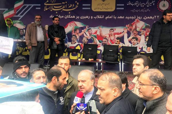 حضور وزیر ورزش و جوانان در راهپیمایی ۲۲ بهمن