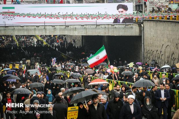 Massive Revolution anniv. rallies in Tehran