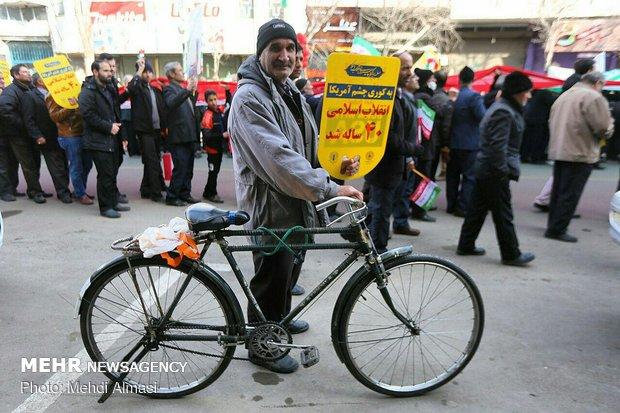 مسيرات 11 شباط في المحافظات الإيرانية
