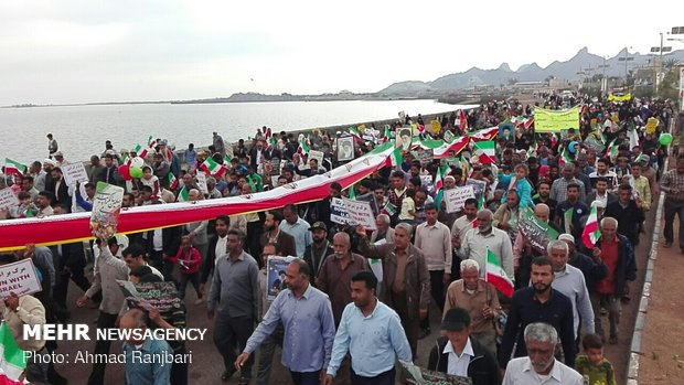 راهپیمایی ۲۲ بهمن در جزیره هرمز