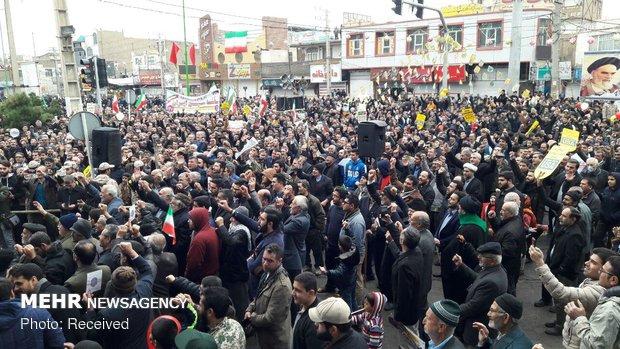راهپیمایی ۲۲ بهمن در قرچک / عکاس : شمس