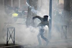 فرانس میں پیلی جیکٹ مظاہرین کا احتجاج بدستور جاری