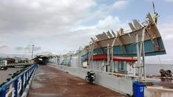 وزش تند باد به تاسیسات زیربنایی جزیره هرمز خسارت وارد کرد