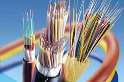 طرح توسعه شبکه فیبر نوری کیش منعقد شد