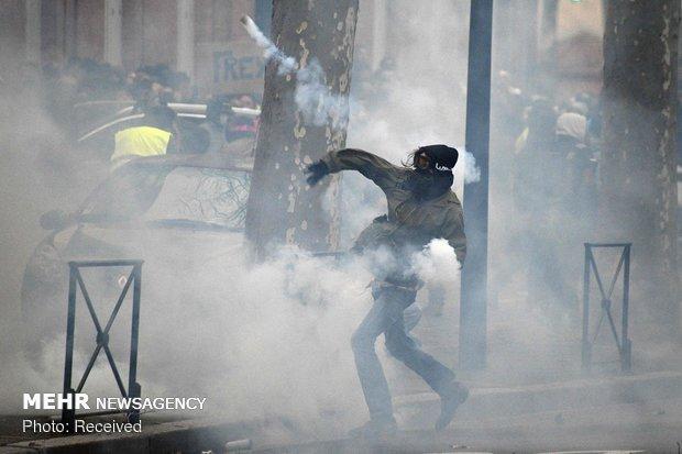 ادامه اعتراضات در فرانسه
